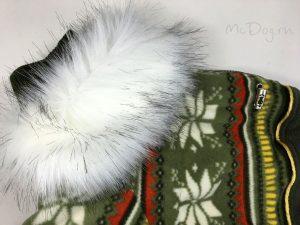 Зимний флисовый комбинезон McDog «Зеленые снежинки» с меховым воротником